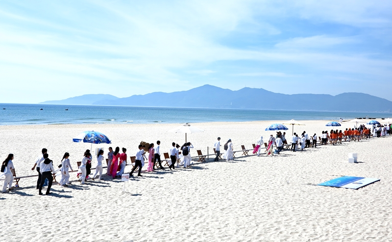 """Da Nang received Guinness record for """"The longest book in the world"""""""